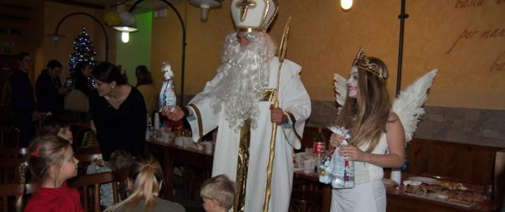 Alcune foto dalla Festa di San Nicola organizzata dalle mamme della Scuola ceca a Firenze
